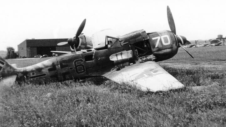 Focke-Wulf-Fw-190F8-II.SG10-Black-6-Czechoslovakia-1945-02
